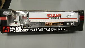 DCP#31409 Giant Foods IH 9200 SEMI CAB TRUCK REEFER VAN TRAILER 1:64/IN