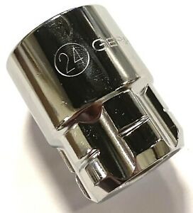 "GearWrench 1/2"" Drive Pass-Thru 24mm Socket 6 Point Vortex Socket 542240GR"