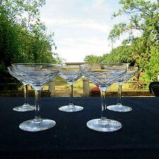 5 coupes a champagne en cristal modèle écaille baccarat ? val st Lambert ?