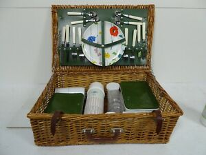 Wicker Picnic Basket for 4 People Includes Cutlery Plates Thermos Flask Cups  Z3