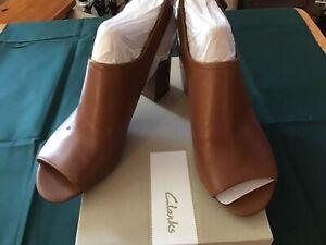 NEW Clarks Women's Deva Jayleen Open Toe Leather Slingback Heel Size 6 1/2 M