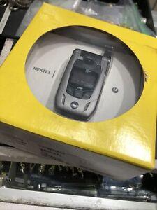 Motorola i880  Silver - (Sprint) Nextel Cellular Phone.Fast Shipping.