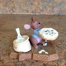 Pooh & Friends I Stirred In An Extra Bit Of Love For You Collectible Figurine