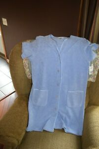 NEW Delicates Women's Bath/Spa SHORT ROBE BUTTON UP NICE BLUE WARM & COMFY SMALL
