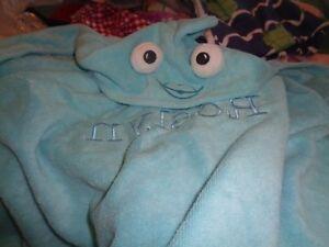 Pottery Barn kids nursery hooded  baby bath wrap blue fish mono Roslyn issue