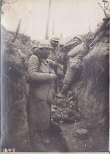 Rare Photo Guerre 14/18, Poilus Tranchées Allemandes reprises par les Français