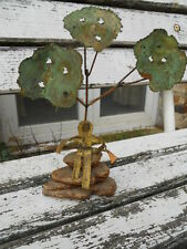 sculpture contemporaine chasseur sous un arbre en cuivre , signer Buss ?