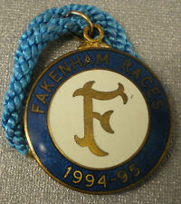 FAKENHAM RACES 1994 - 95 RACECOURSE Enamel Badge HORSE RACING