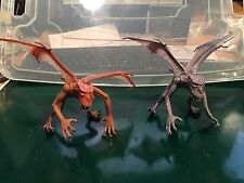 Doctor Dr Who KRILLITANE 2 x  Alien Monster Figures (Grey) and (Red)