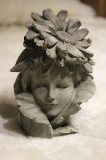 Blumenkind Zapfen♥Stele♥Gartenfigur aus Polyresin♥Gartenelfe ohne Stab