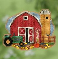 Mill Hill - Autumn Harvest - Harvest Barn - Cross Stitch Kit - MH18-1821