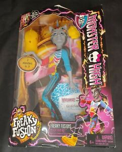 MONSTER HIGH Mattel * New in Box Doll /  Figure - Freaky Fusions Neighthan Rot