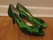 NEW Nina New York Womens Pumps 2.5 Inch Heel Emerald Green Luster Satin Size 9