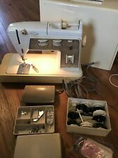 Singer Sewing Machine Golden Touch & Sew Model 750 Deluxe Zig Zag + Accessories