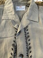 Paradise by Axis Mens Hawaiian Shirt 100% Silk Button Up Floral Tan Size Medium