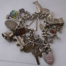 LOVELY Vintage Solid Sterling Silver Charm Bracelet & 16 Argento Charms, 1977