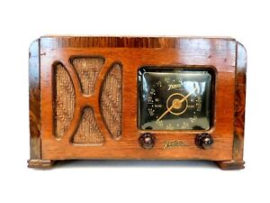 VINTAGE 1940s OLD LARGE BLACK DIAL ZENITH ANTIQUE RADIO NICE STYLE & STILL PLAYS