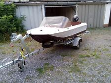Boot mit Motor und Trailer