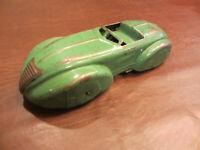 "VINTAGE 1930s WYANDOTTE TOYS WINDUP PRESSED STEEL 10"" L STREAMLINE RACE CAR TOY"