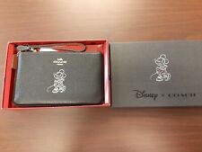 Coach X Disney Minnie Mouse Wristlet New Nwt 37540B