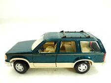 1992 Ford Explorer Eddie Bauer SUV Dark Metallic Green Maisto Die Cast 1:24