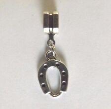 pendentif argenté porte bonheur fer à cheval 19x12 mm