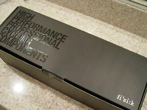 Fizik Cyrano Carbon 00 Handlebar 44cm Bull NEW 45% Off retail $400.00 LAST ONE