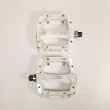 Wellgo MG-52 Magnesium 9/16 Spindle White MTB BMX DH Flat Pedals
