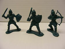 Vintage toy soldiers plastic pvc Lot 2 KNIGHTS and 1 ARCHER Toyco,1983 hong kong
