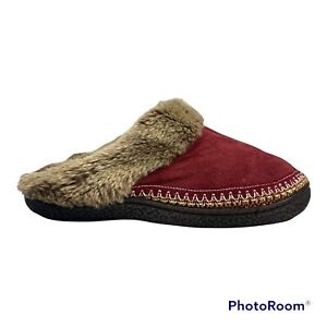 Isotoner Womens Burgundy Round Toe Faux Fur Slippers Size 7.5