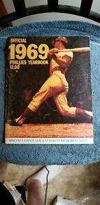 1969 PHILADELPHIA PHILLIES YEARBOOK CONNIE MACK STADIUM MEMORIAL ISSUE EX+