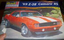 REVELL 1969 CHEVY CAMARO Z28 RS 302 1/25 Model Car Mountain KIT FS