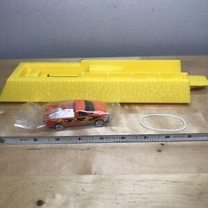 Vintage 1996 Mattel Hot Wheels Launcher 7904-2308 Yellow w rubber band & Truck