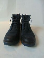 Gucci Men's navy suede boots size 9- good condition