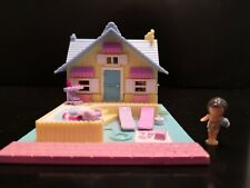 Polly Pocket Summer House - Bluebird 1993 - With Figure