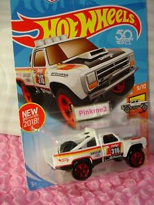 NEW! '87 DODGE D100 #275 US 50✰white;red;mopar 316✰Hot TRUCK✰2018 Hot Wheels