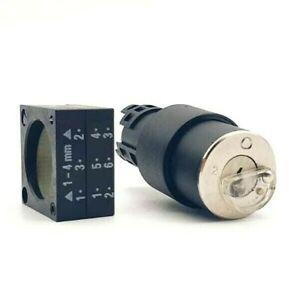 Siemens 3SB30 00-5AE31 Schluesselschalter Bks, 22MM, Round, Plastic, (E2 VW)