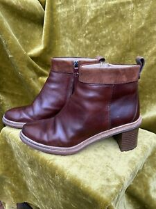 CLARKS TAN LEATHER HEELED ANKLE BOOTS UK 7 D EU 41