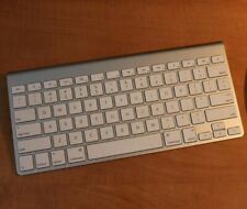 Apple Bluetooth Wireless Keyboard - Aluminum/White - Works Great