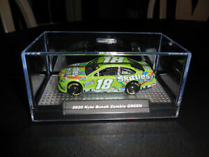 2020 Kyle Busch #18 Skittles Zombie GREEN 1/64 w/Display Case NASCAR 1/64 Custom