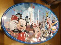Boîte Assortiment de bonbons de chocolat Paris 7 Disneyland Paris