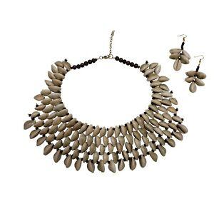 Fashion Jewelry Cowrie Shell Necklace Statement Bib Boho Ethnic Charm Choker