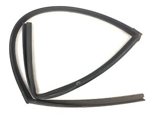 92-95 Civic 4Dr Right Rear Window Run Channel Molding Glass Guide Rubber Seal