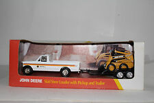ERTL JOHN DEERE SKID STEER LOADER W/ PICKUP & TRAILER, EXCELLENT, BOXED, 1:32