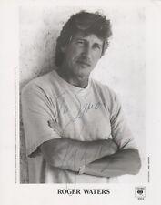 Roger Waters Autogramm signed 20x25 cm Bild s/w
