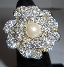 CAROLEE PAVE' FLOWER RING W/SWAROVSKI CRYSTALS, FAUX PEARL CENTER, SZ. 6.5!
