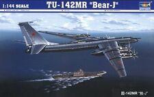 Tu-142 MR Bear-j Aircraft 1:144 Plastic Model Kit TRUMPETER