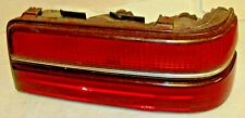 1989-90-1991 PONTIAC GRAND AM TAIL LIGHT ASSEMBLY PASS. SIDE.NICE CONDITION //