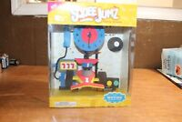 VTG 1998 NIB SqueeJumz Table Clock With Moving Characters Moving Race Car