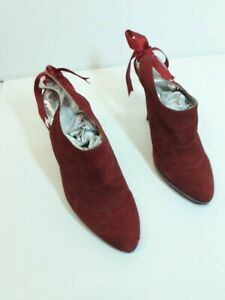 LADIES SHOES --- BEAUTIFUL PAIR OF KUBA KOUTURE FINISHED IN SATIN RED Size 4